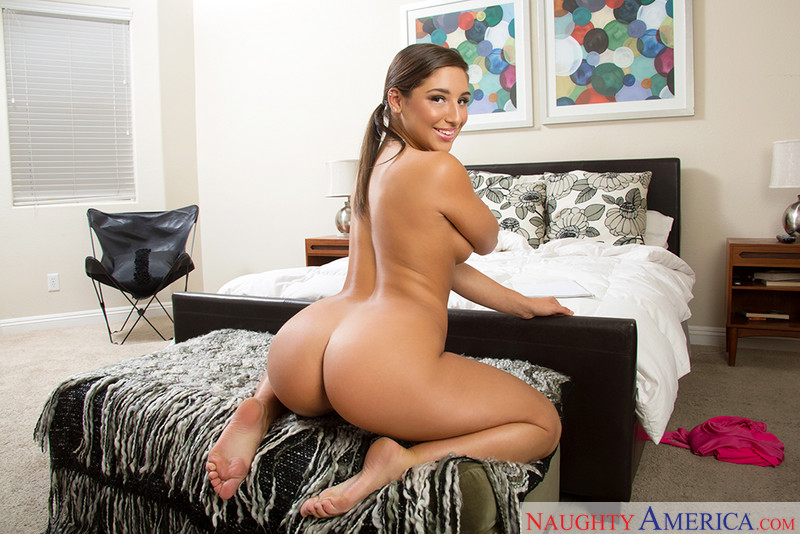 Abella Danger Squirt Threesome