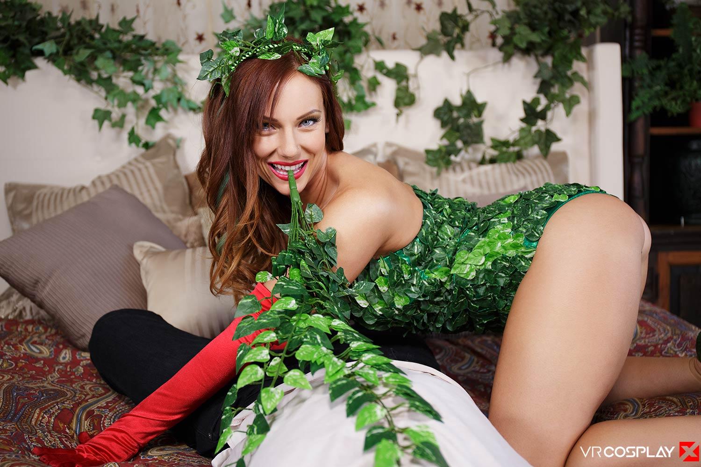 Poison Ivy: Hot & Thorny VR Porn