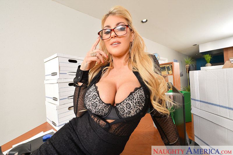 Naughty America Big Tit Hd